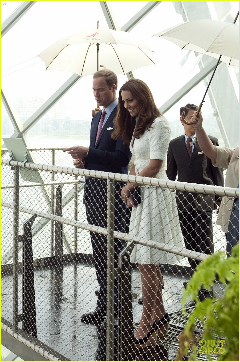 prince william duchess kate visit garden by the bay 27