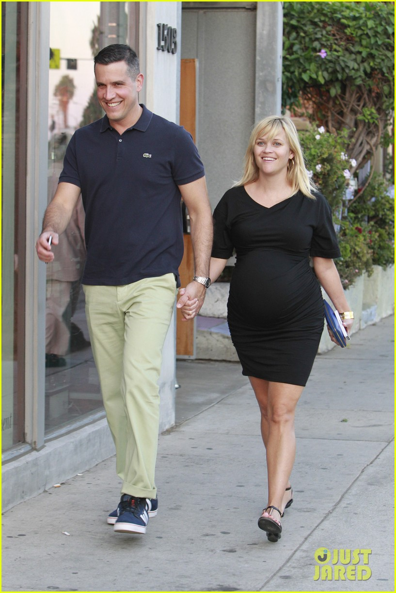 Full Sized Photo of reese witherspoon family dinner 08 ... Ryan Phillippe