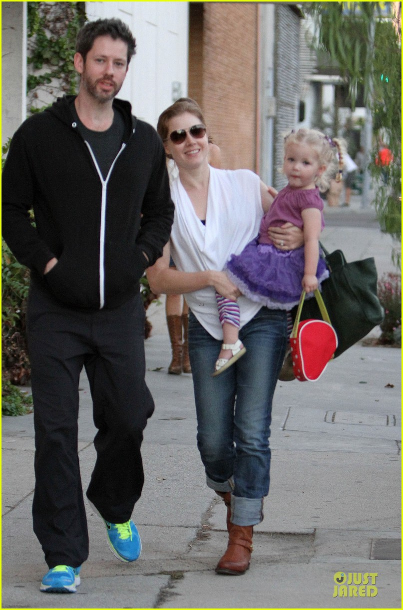 amy adams little next door restaurant with aviana 08