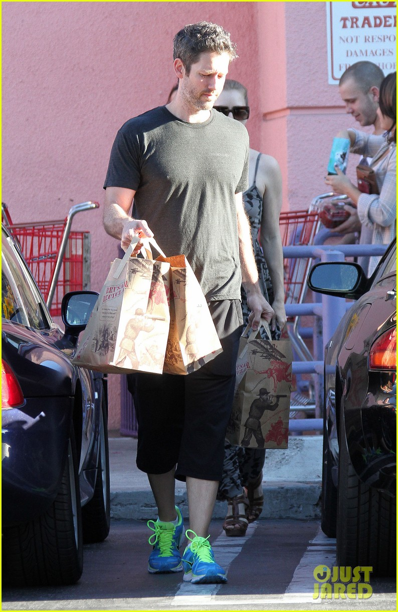 amy adams traders joes shopper 02