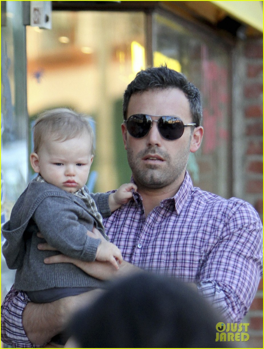 ben affleck jennifer garner family dinner with the kids 152746835