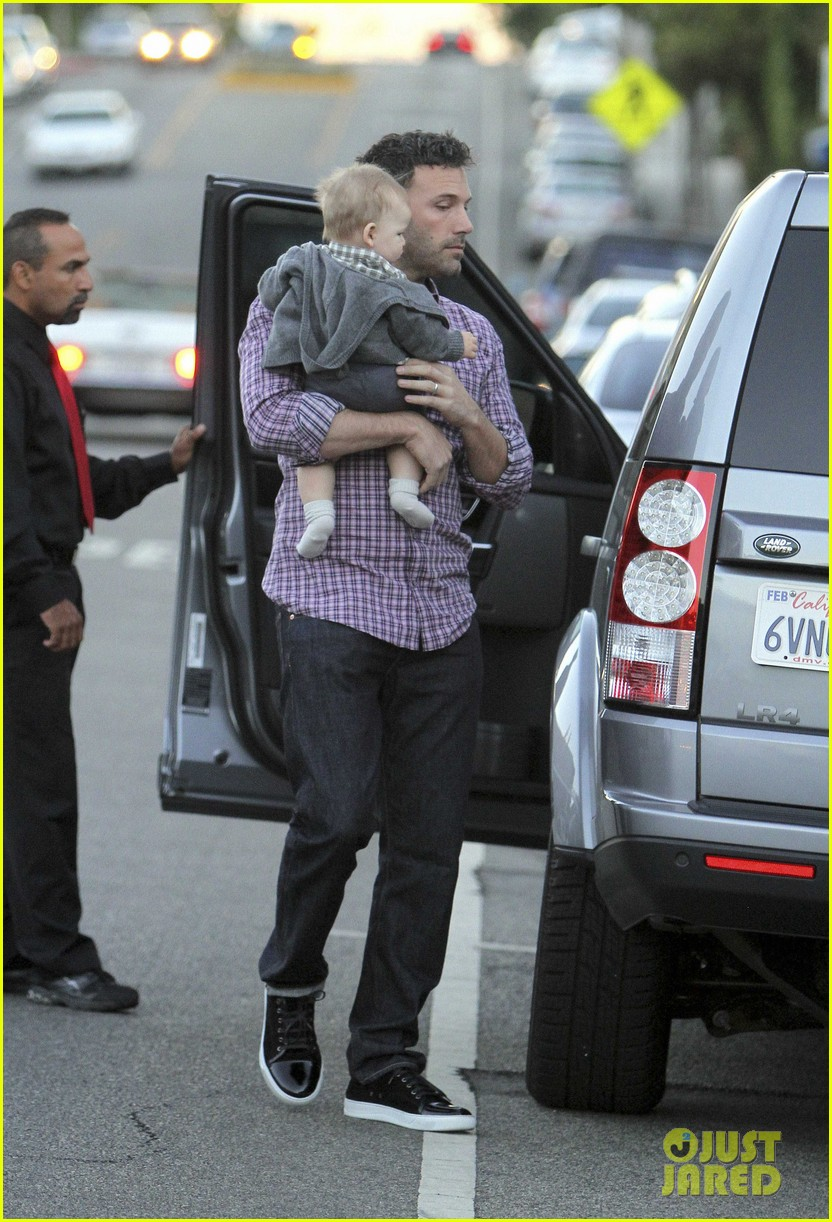 ben affleck jennifer garner family dinner with the kids 25