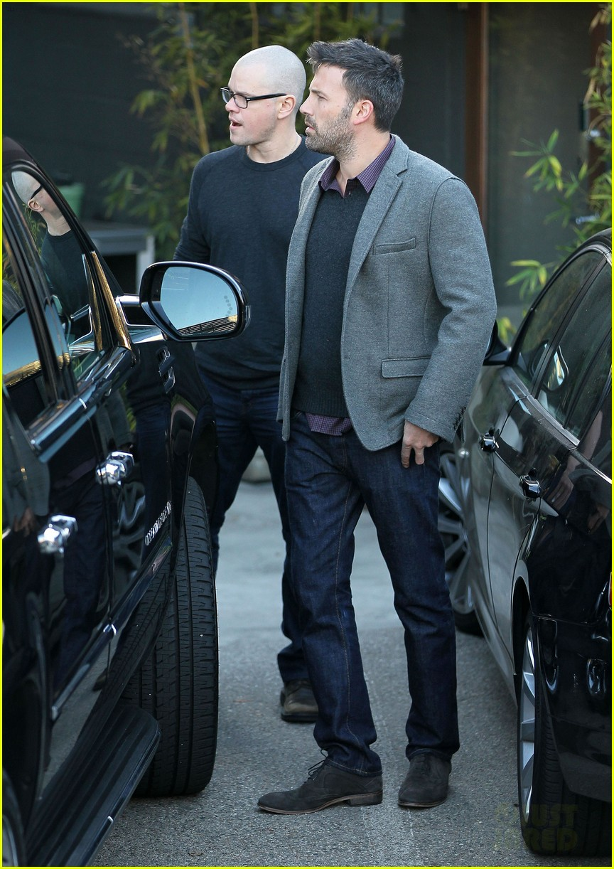 ben affleck matt damon business meeting buddies 01