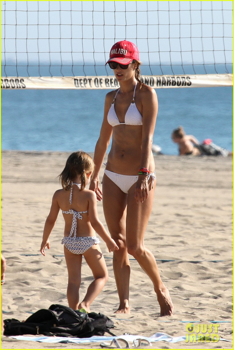 alessandra ambrosio bikini mom in malibu 03
