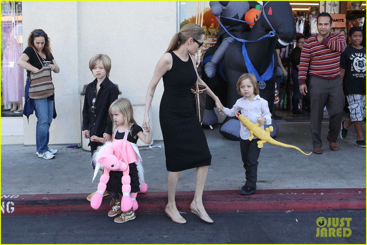 angelina jolie halloween shopping with the kids 232746986