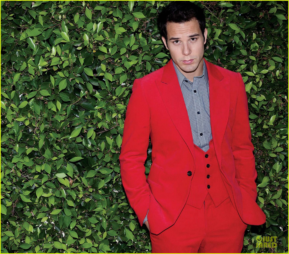 skylar astin august man feature  022737716