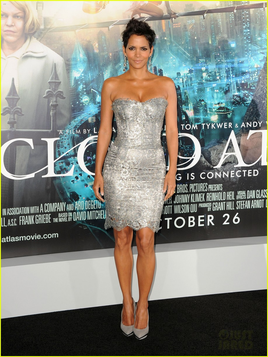 halle berry cloud atlas premiere with olivier martinez 012744393