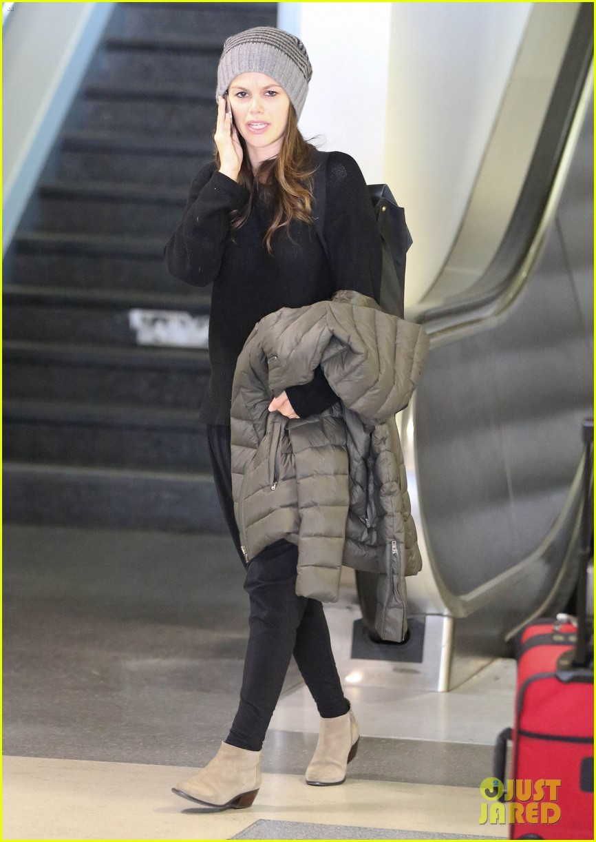 rachel bilson lax mom pick up 03