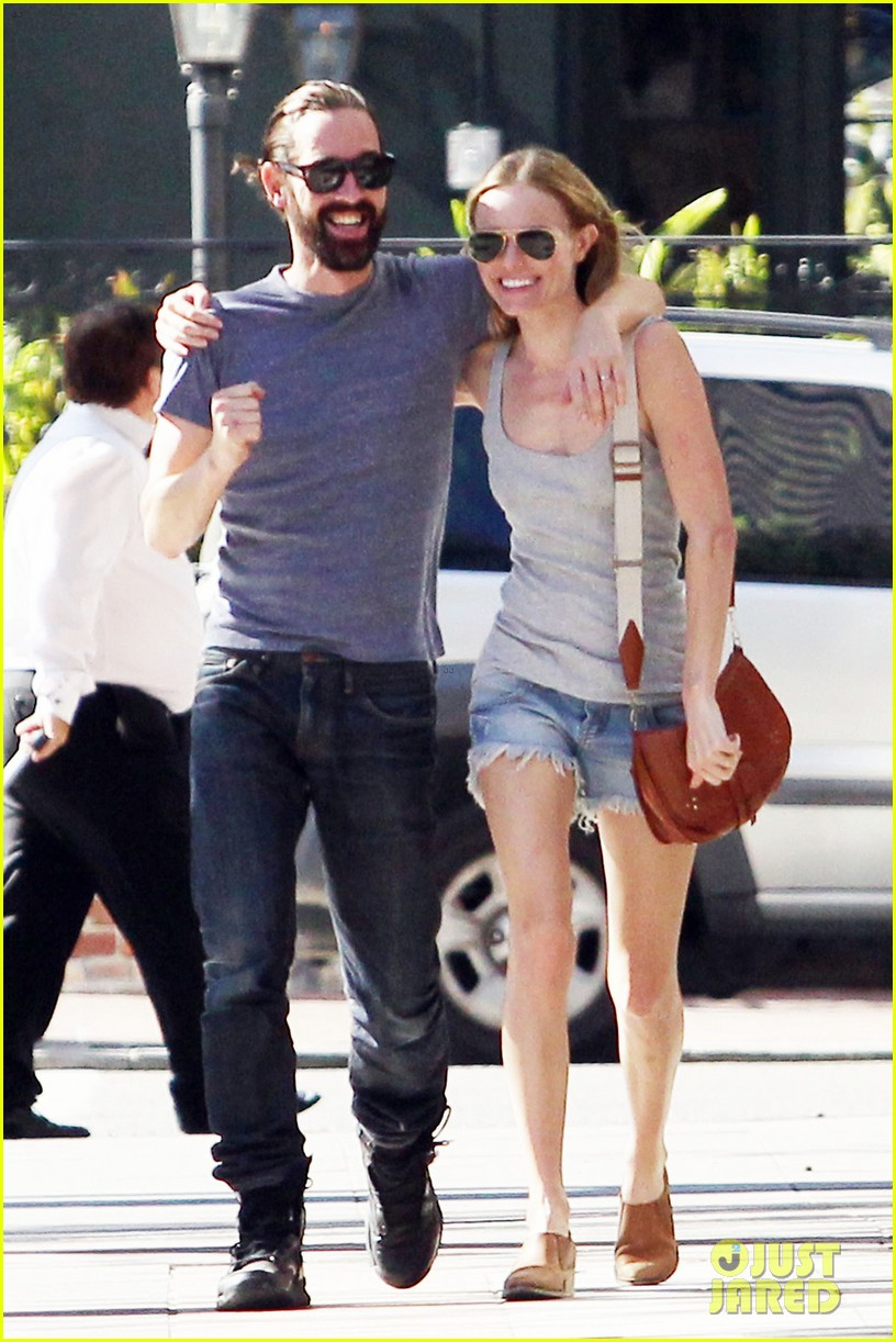 kate bosworth michael polish laughing lovers 01