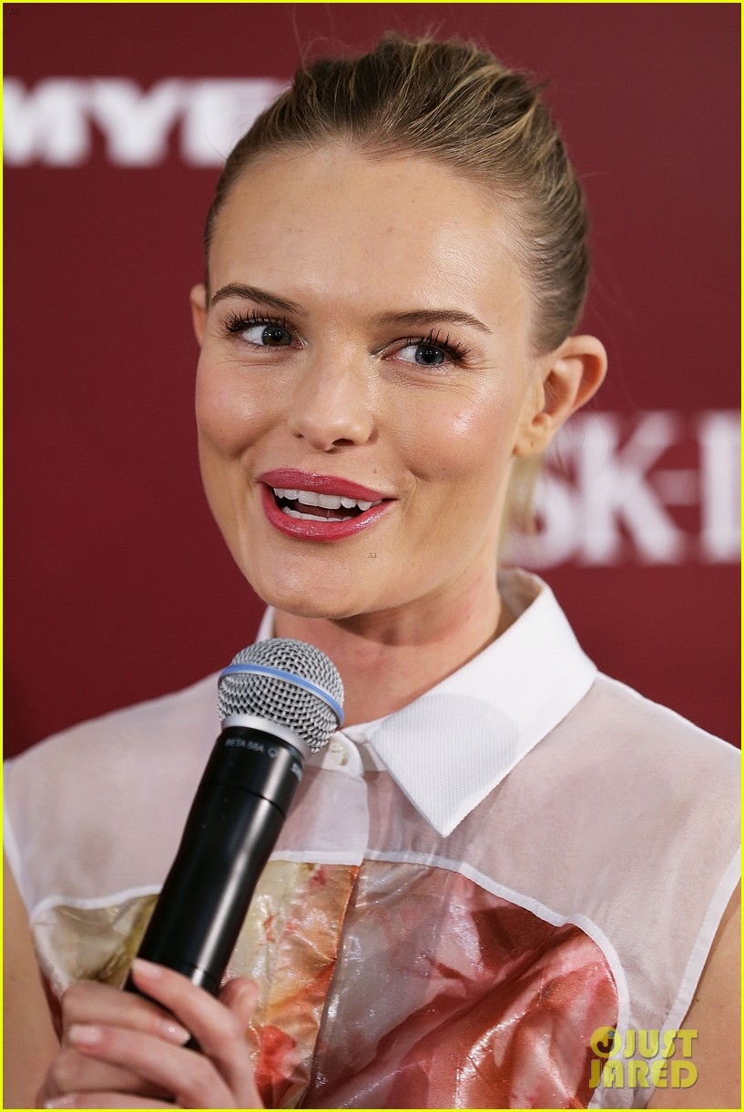 kate bosworth skii event at myer sydney city 02