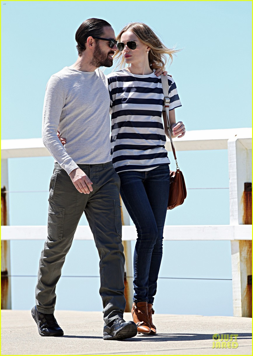kate bosworth michael polish autralian sight seeing couple 04