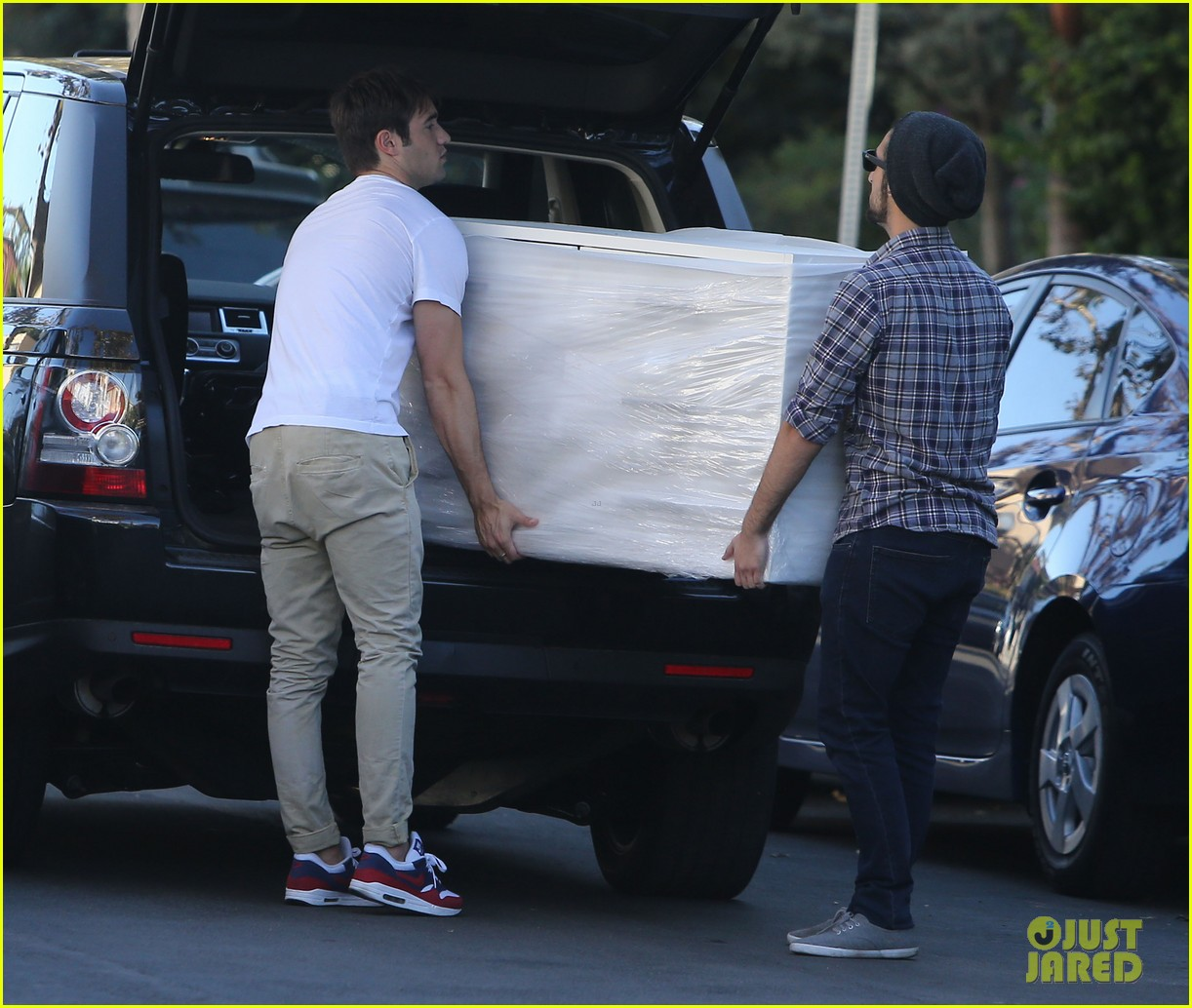 joshua bowman ashley madekwe furniture shopping 14