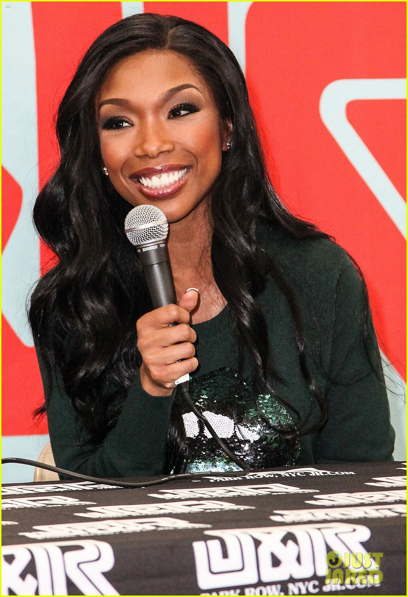 brandy covers vibe vixen november 2012 03