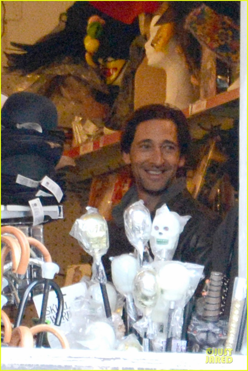 adrien brody halloween shopping in rome 15
