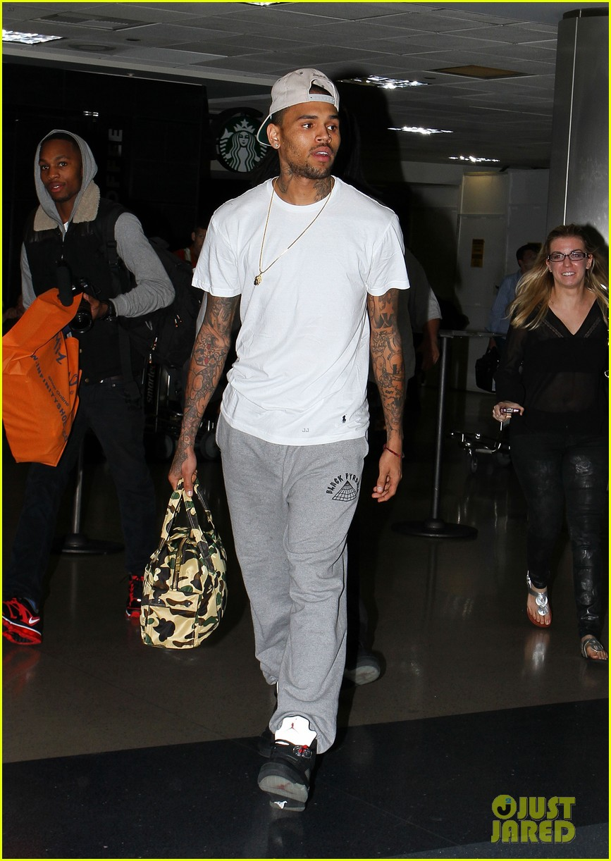 chris brown jets to lax after karrueche tran split 012733129