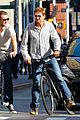 gerard butler bike ride with pal 04
