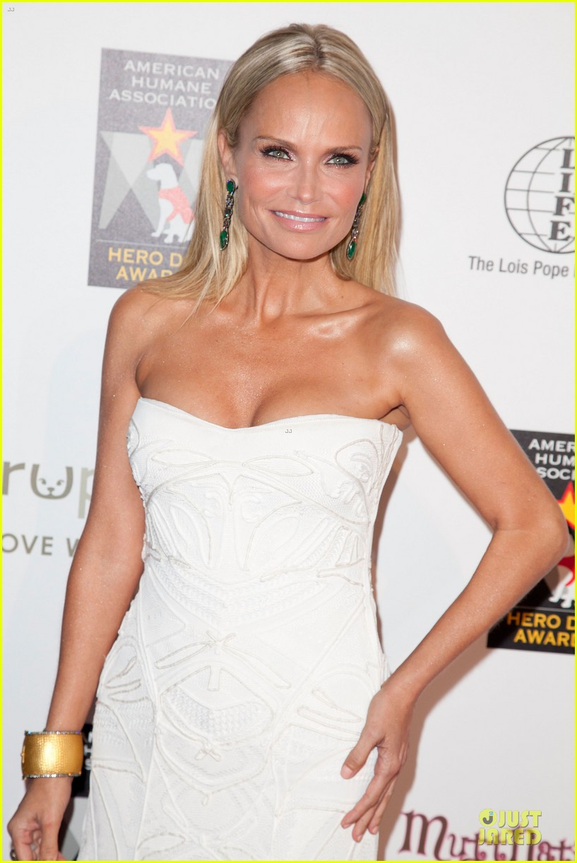 kristin chenoweth dog awards 02