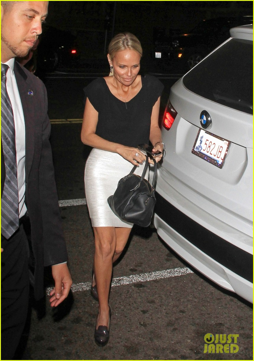 kristin chenoweth tom hanks attend rita wilson concert 03