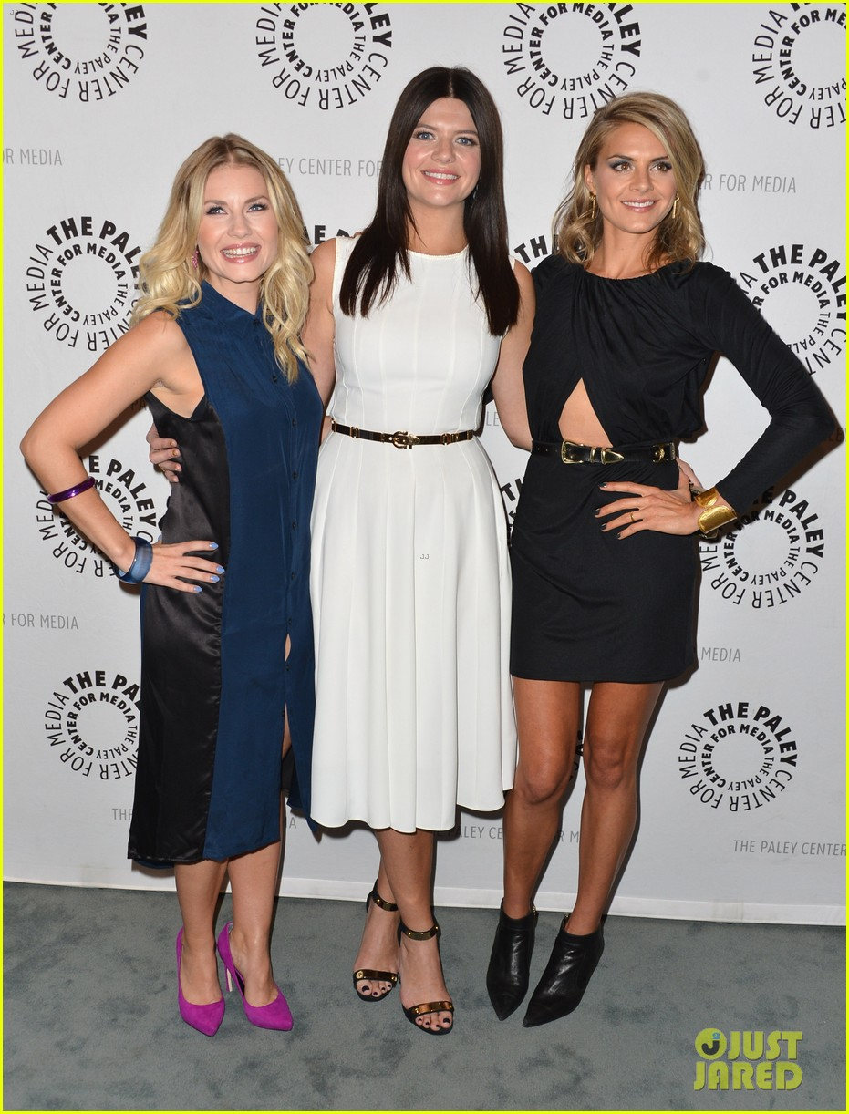 elisha cuthbert paleyfest with happy endings cast 01