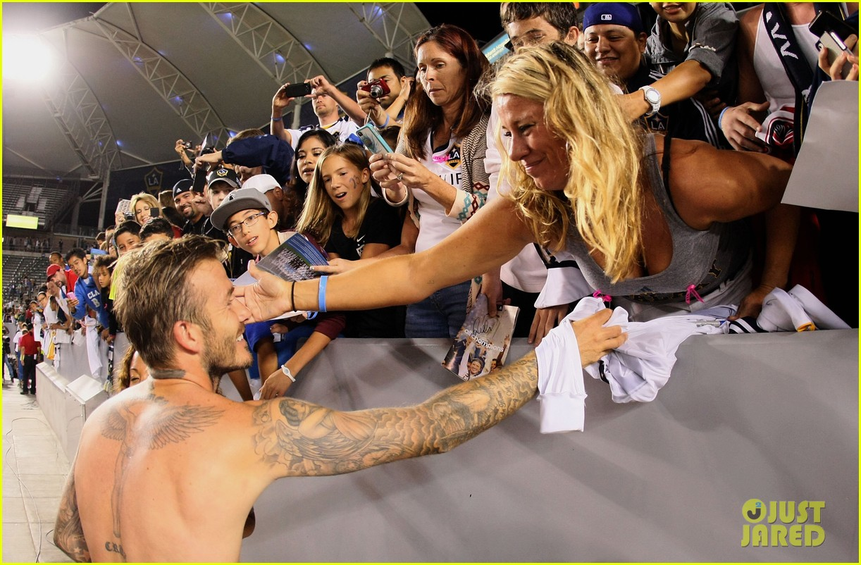 david beckham shirtless galaxy game 06