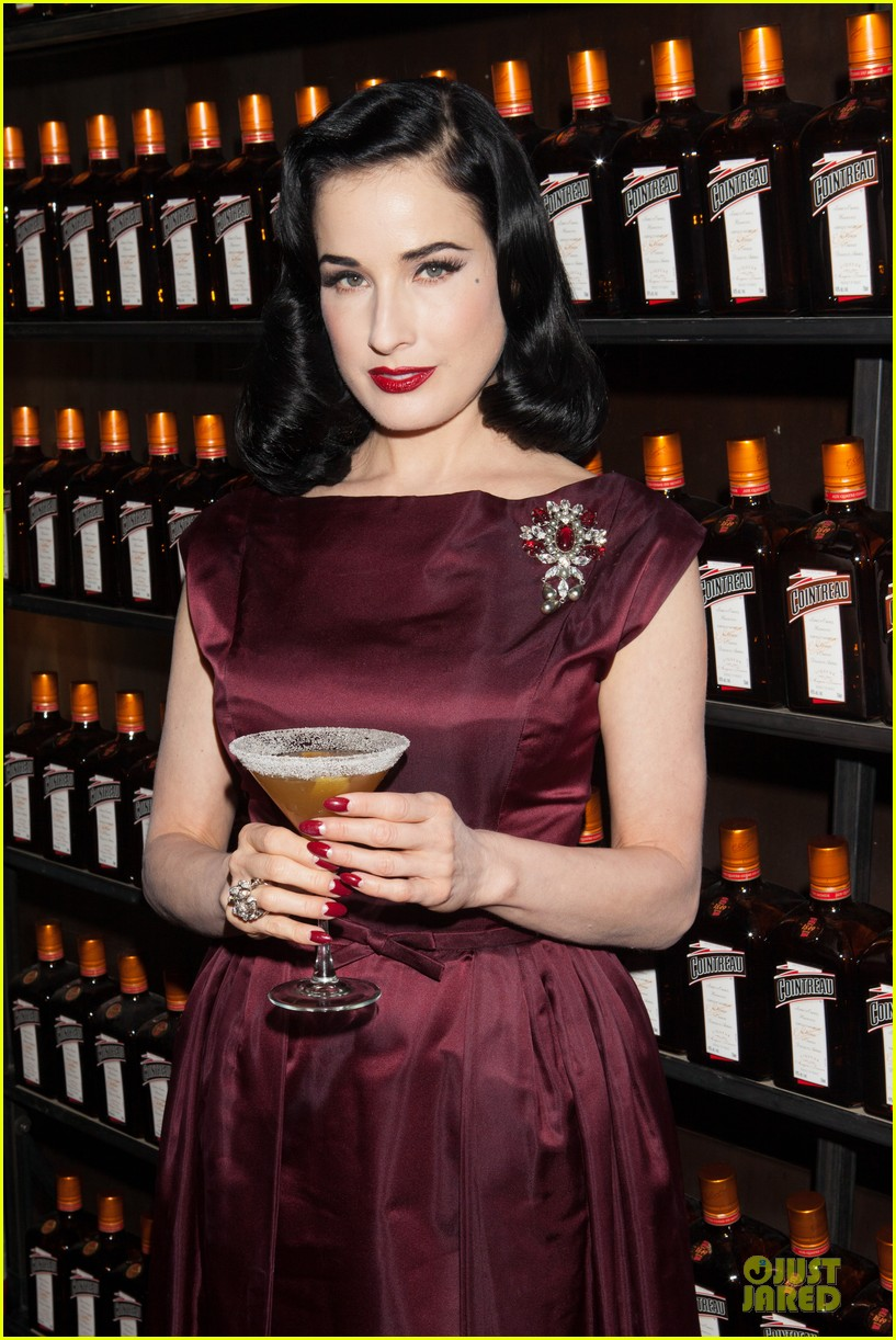 dita von teese cocktail debut in new york 18