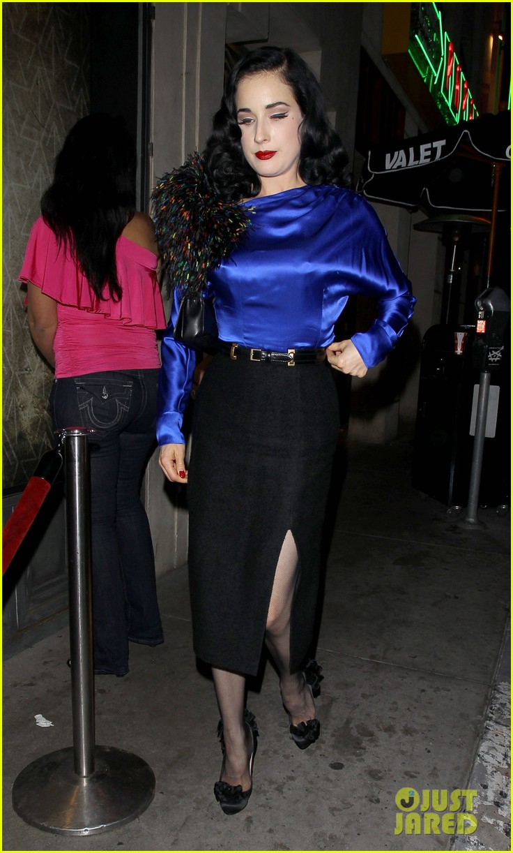 dita von teese prince sayers club performance 04
