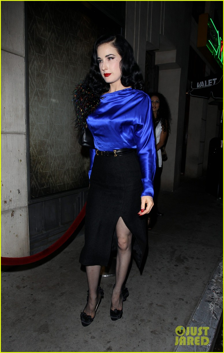 dita von teese prince sayers club performance 05