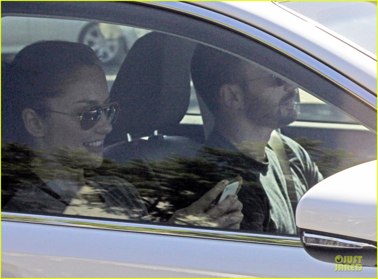 chris evans minka kelly drop off 17