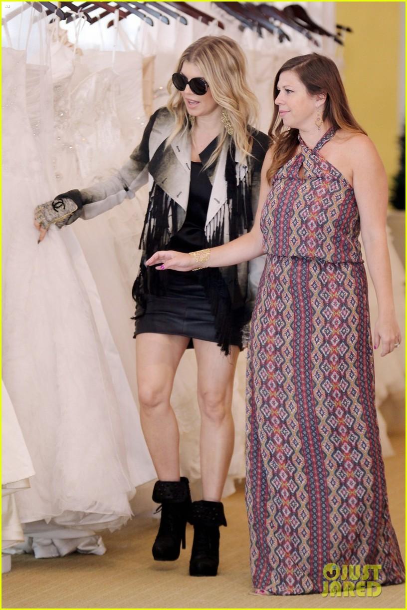 fergie wedding dress shopping with a friend 01
