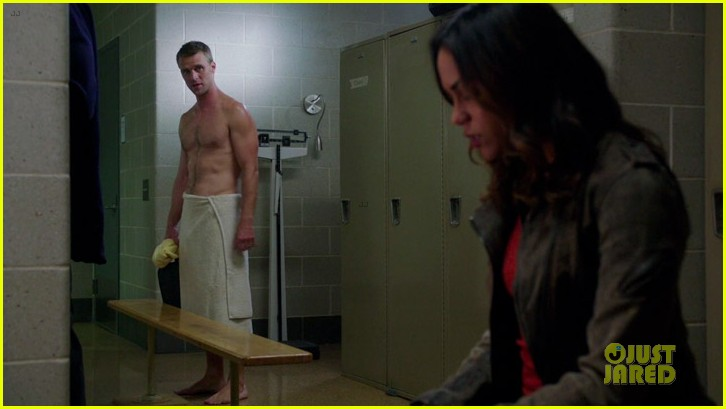 taylor kinney jesse spencer shirtless in chicago fire 14