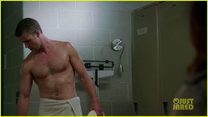 taylor kinney jesse spencer shirtless in chicago fire 152734309
