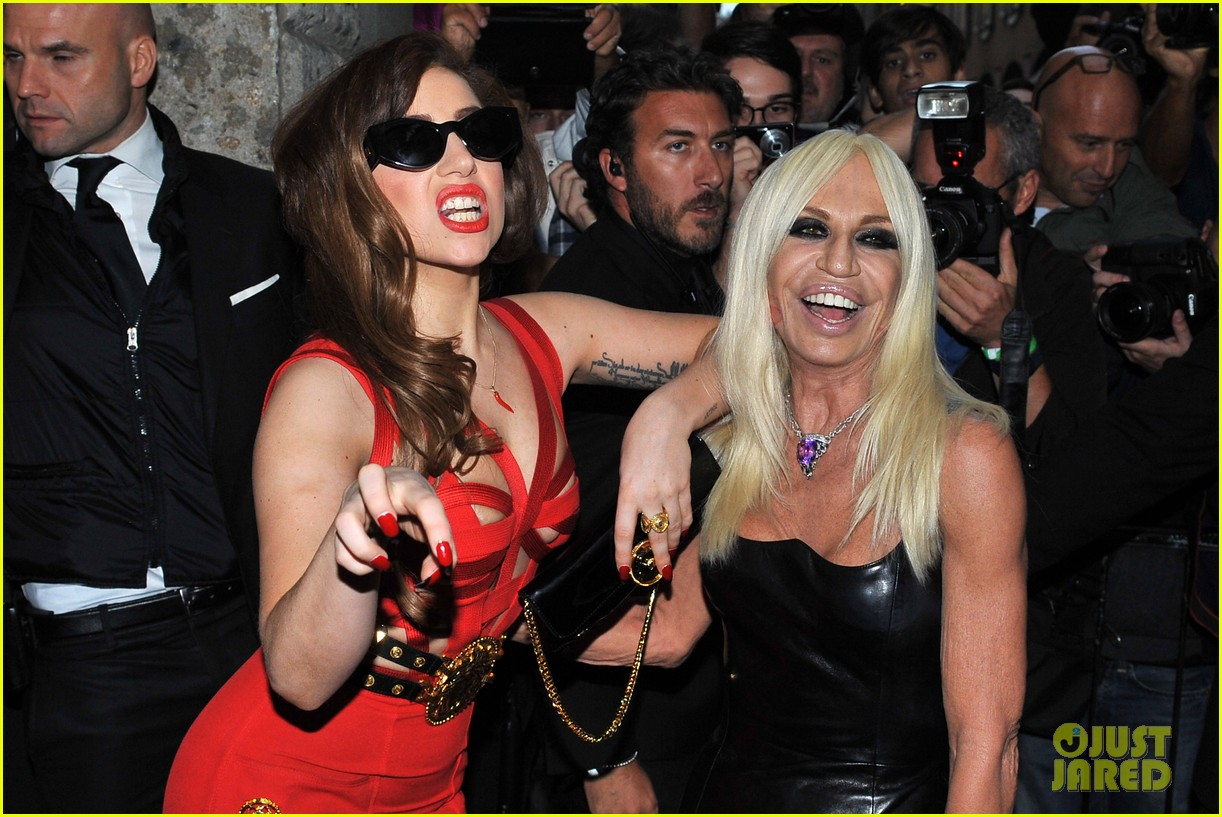lady gaga donatella versace meet in milan 20