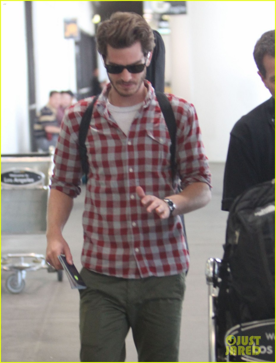 andrew garfield from london to lax 07