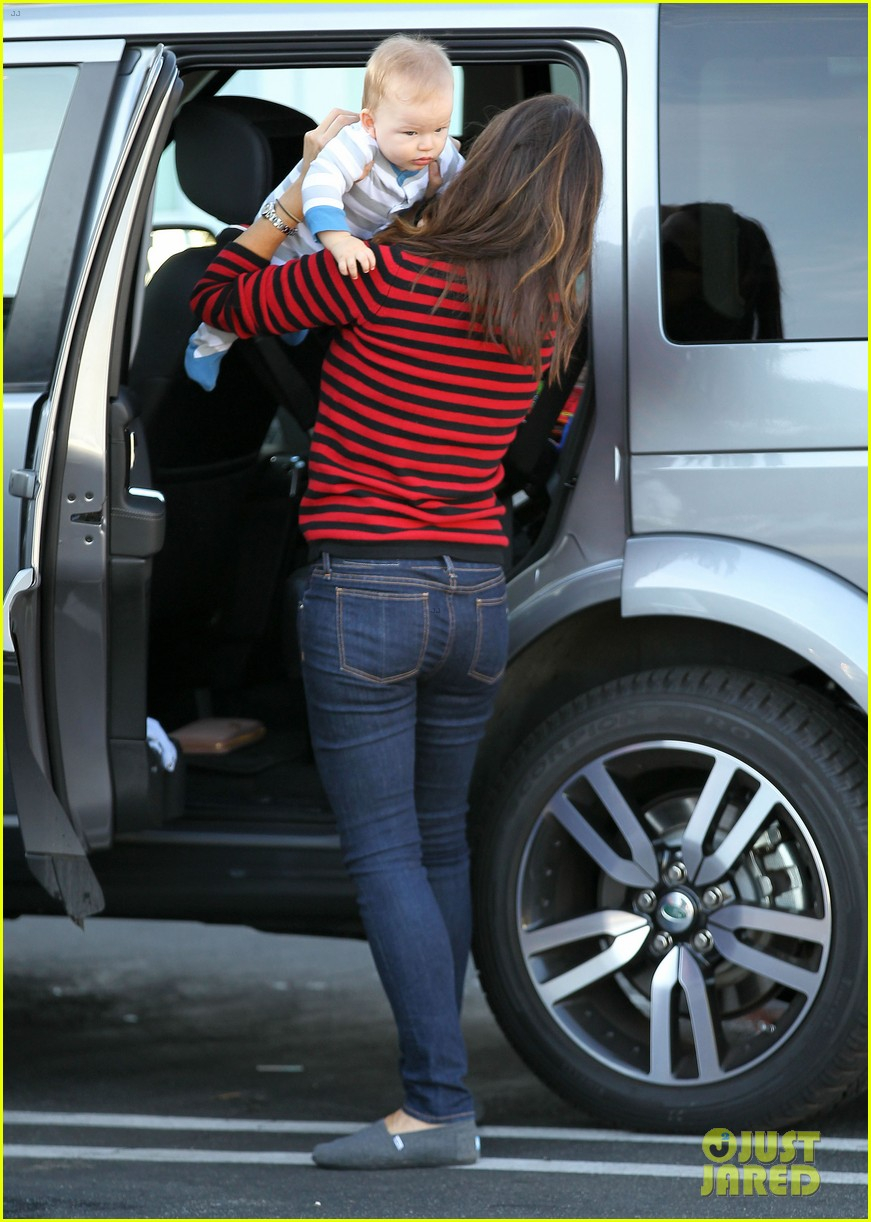jennifer garner breakfast to go with seraphina samuel 06