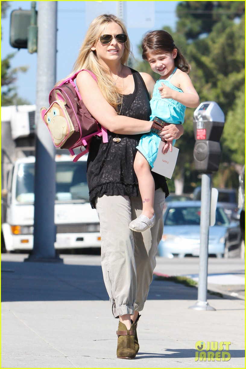 sarah michelle gellar mommy daughter tuesday twosome 06