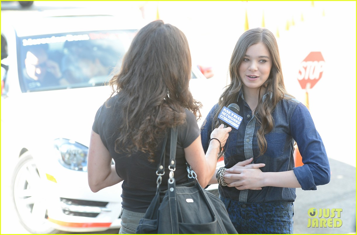 hailee steinfeld national teen driver safety week kick off 21