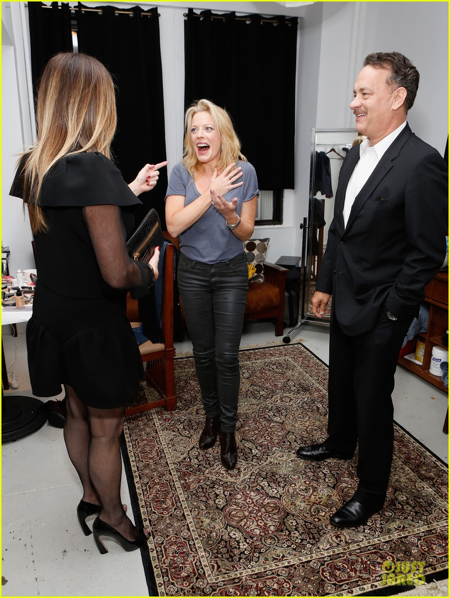 tom hanks sherie rene scott performance with rita wilson 03