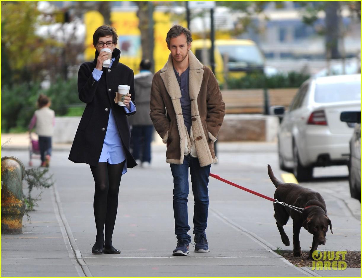 anne hathaway adam shulman coffee dog walk 05