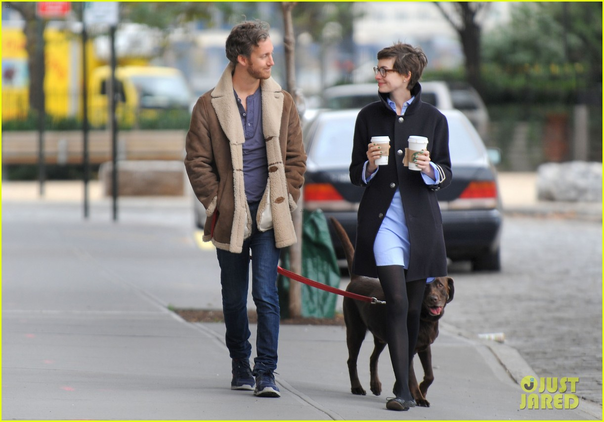 anne hathaway adam shulman coffee dog walk 14