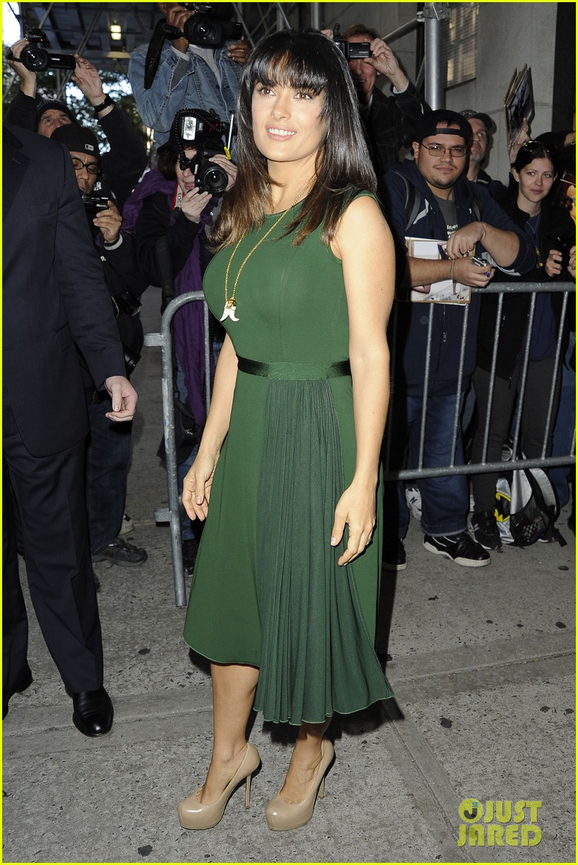 salma hayek shorter bangs 03