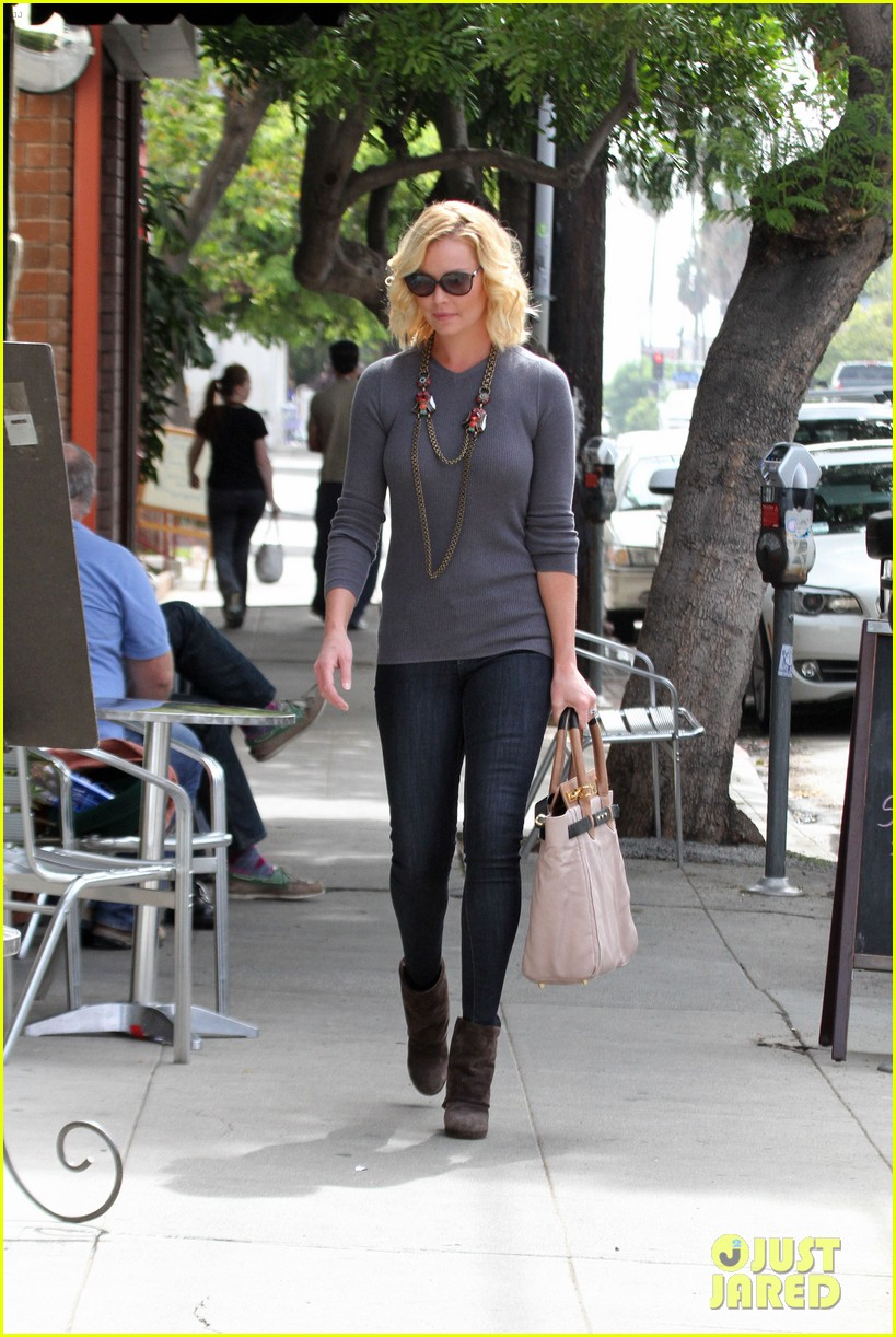katherine heigl coffee run at little doms 01