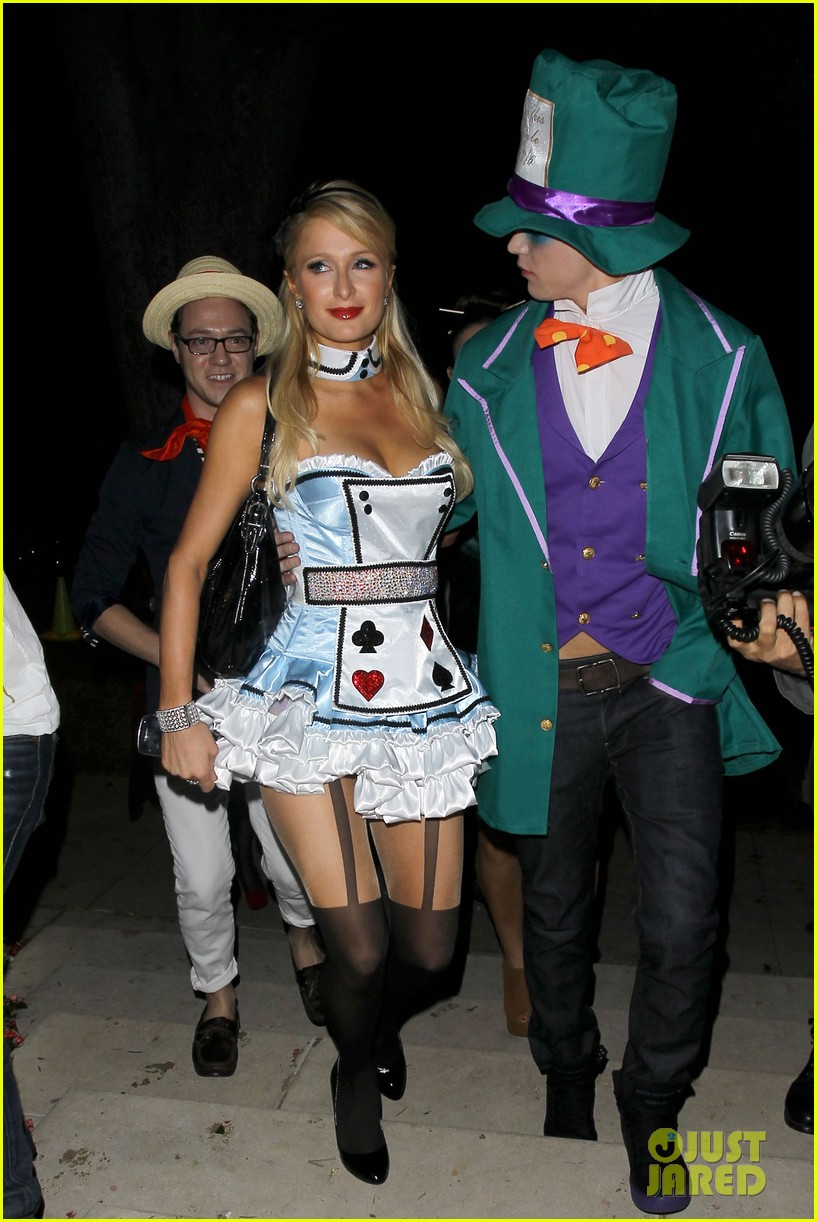 paris hilton river vilperi halloween party pair 03