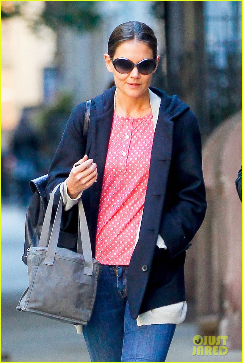 katie holmes early morning stroll with guy pal 02