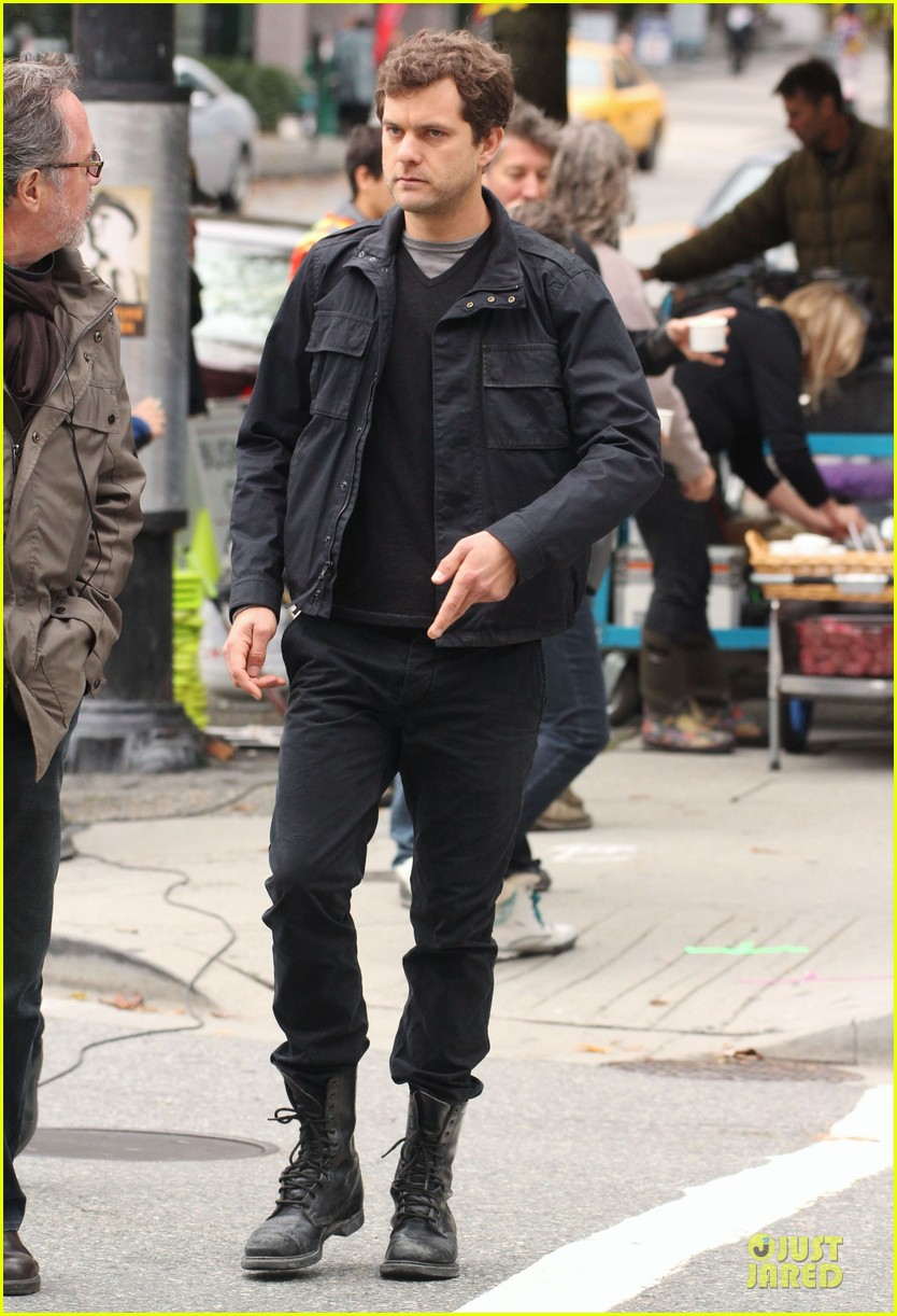 joshua jackson streches on fringe set 18