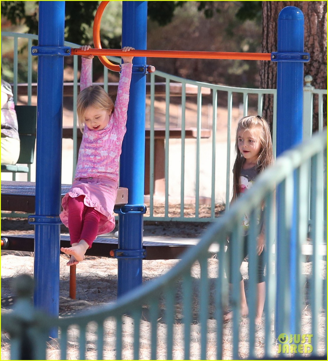 angelina jolie park playtime with knox vivienne 13