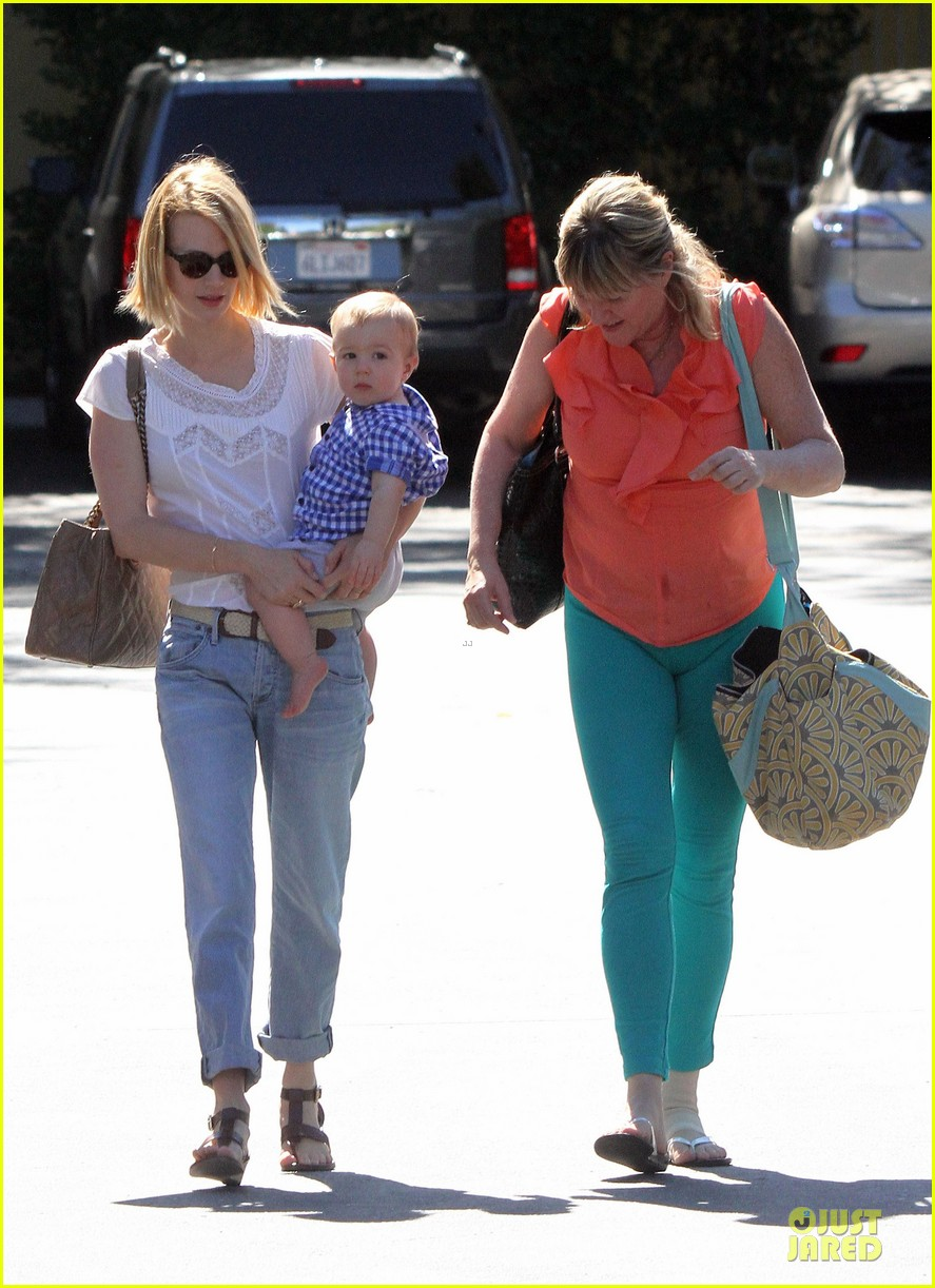 january jones boutique shopping with xander 04