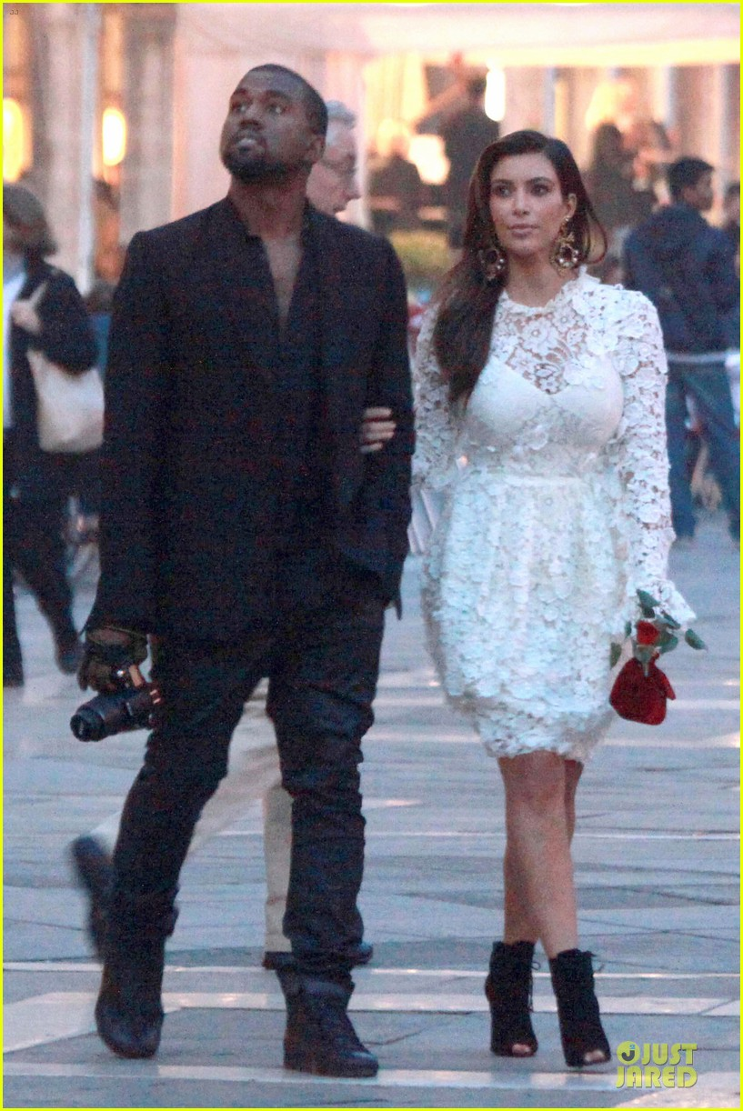 kanye west kim kardashian birthday dinner in venice 01