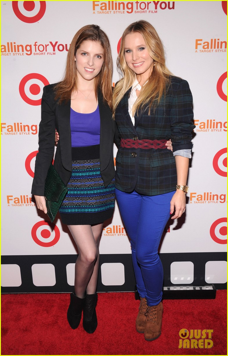 anna kendrick kristen bell target falling for you event 02