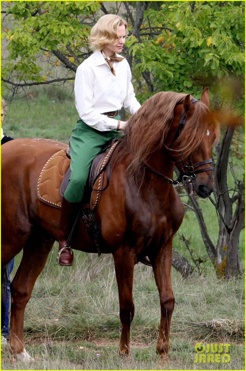 nicole kidman horseback riding for grace kelly 032737080