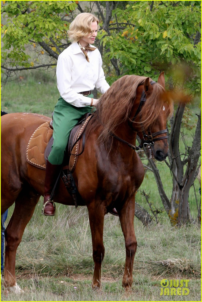 nicole kidman horseback riding for grace kelly 12